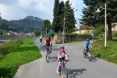 bike_to_karlstejn_castle_czech_bike_tours