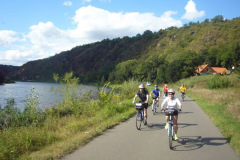 bike_trail_to_karlstejn_czech_bike_tours